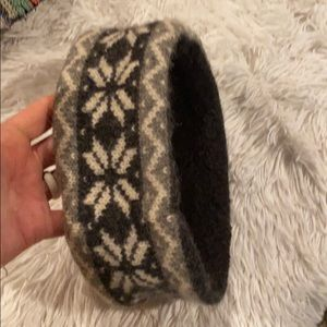 Ear warmer black with snowflakes